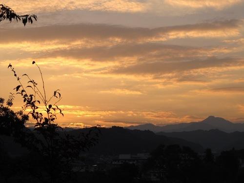 夕焼け雲110610.jpg